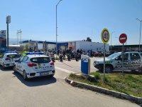 Полиция блокира бензиностанция заради мотористи в Пловдив