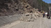 """Над 500 кубика скална маса се е срутила на прохода """"Рожен"""""""