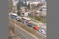 """Ремонт причини огромно задръстване на """"Аспаруховия мост"""" във Варна"""