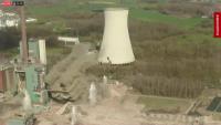"""""""Взрив на годината"""": Разрушиха 80-годишна електроцентрала на въглища в Германия"""
