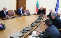 Борисов: Осигурени са всички необходими лекарства за лечение на пациенти с COVID-19 и достатъчно количества ваксини