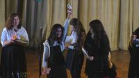 Ученичка от Търговище дари на болно дете наградата си от музикален конкурс