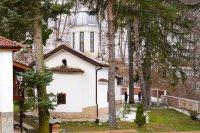 снимка 17 Дивотинският манастир - един от най-старите действащи манастири у нас (ГАЛЕРИЯ)