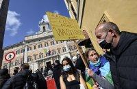 снимка 2 Протести в Италия: В Рим се стигна до сблъсъци