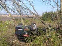 Кола се преобърна в канавката на пътя Варна - Бургас