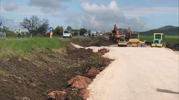 """10 оферти за строителството на последните 16,5 км от АМ """"Европа"""" между Сливница и София"""