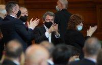 "снимка 4 Парламентът гласува и прие оставката на кабинета ""Борисов 3"""