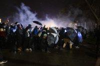 снимка 2 Трета нощ на протести срещу полицейското насилие в Минеаполис