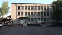 Пациент с COVID-19 скочи от 3-ия етаж на болницата в Карлово