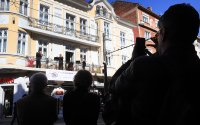 """снимка 1 Честита пролет: """"Музика от балкона"""" с поздрав за софиянци"""