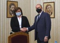 """Корнелия Нинова: Няма да участваме в кабинет с """"Има такъв народ"""". Ако ни поканят на консултации, бихме подкрепили политики"""
