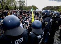 Полицията използва сълзотворен газ срещу протестиращи в Берлин