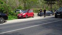 Верижна катастрофа с 5 автомобила блокира главен път Е-79