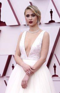 снимка 5 Ослепителна в бялата си рокля Мария Бакалова озари Оскарите (Снимки)