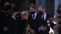 Затопляне на отношенията: Принц Хари е разговарял с брат си и баща си
