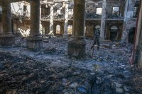 снимка 3 Пожар унищожава исторически сгради в Кейптаун