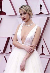 снимка 2 Ослепителна в бялата си рокля Мария Бакалова озари Оскарите (Снимки)