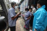Индия с нов печален рекорд по заразени с COVID-19