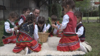 На Лазаровден в село Първомайци: Как традициите се предават на поколенията