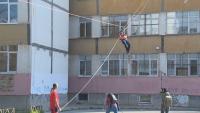 Подновиха обученията по пожарна безопасност в училище