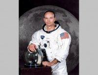 """Почина """"забравеният астронавт"""" Майкъл Колинс"""