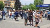 Бургас скърби за Ваня Костова - почетоха паметта ѝ с нейни песни и цветя