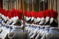 снимка 4 Нови швейцарски гвардейци положиха клетва за вярност към папата във Ватикана (Снимки)