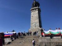 снимка 7 Отбелязване на Деня на Победата пред паметника на Съветската армия