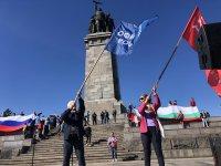 снимка 5 Отбелязване на Деня на Победата пред паметника на Съветската армия