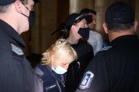 Бабата, обвинена за смъртта на внучката си, остава в ареста