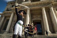 Франция отбелязва 200 години от смъртта на Наполеон (СНИМКИ)