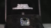 """Най-големият диамант, изрязван някога в Русия, ще бъде изложен на търг на """"Кристис"""""""