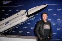 Илън Мъск ще финансира мисия до Луната с космическа криптовалута
