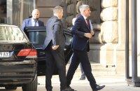 Служебният премиер Стефан Янев пристигна в президентството (СНИМКИ)