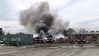 Пожар избухна в депо за отпадъци край Девня (ВИДЕО)