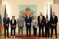 Румен Радев удостои изявени спортисти с Почетния знак на президента