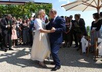 """Бивша австрийска министърка, танцувала с Путин, стана директор в """"Роснефт"""""""