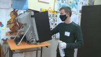 ЦИК провежда експеримент колко души могат да гласуват на 1 машина за ден