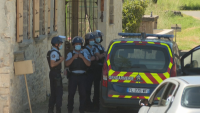 Тежковъоръжен бивш военен открил огън срещу полицията във Франция