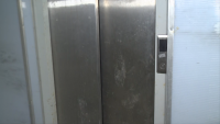 """Недоволство в """"Горна баня"""" заради неработещи асансьори на метростанцията"""