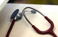 Аномалия в COVID данните в информационния портал - от 3 дни броят на заразените медици намалява