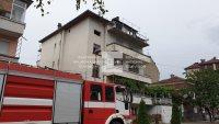 Млад мъж загина при пожар в жилищен блок в Асеновград (ВИДЕО)