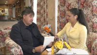 Закъснял подарък: Веселин Маринов получи шестица от класната си в ефира на БНТ