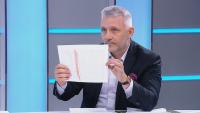 Николай Хаджигенов показа пред БНТ доказателства за подслушване на политици