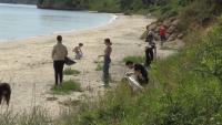 """Инициативата """"Бира за смет"""" почисти плаж """"Крайморие"""""""