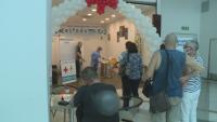 Разкриват пунктове за имунизация срещу COVID-19 в моловете във Варна