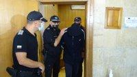 Съдът остави в ареста извършителя на грабеж на банка в Дупница