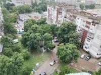 Проливен дъжд наводни улици и булеварди в Русе (Видео, снимки)