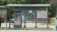 Опасен заслон на спирка във Варна