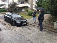 Наводнени къщи и разрушени пътища след пороя във Велико Търново